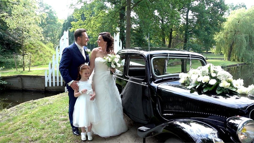 Bruiloft-Groenlo-Oldtimer-bruidsmeisje